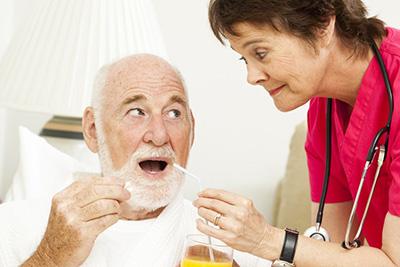 можно ли работать во время ухода за стариками
